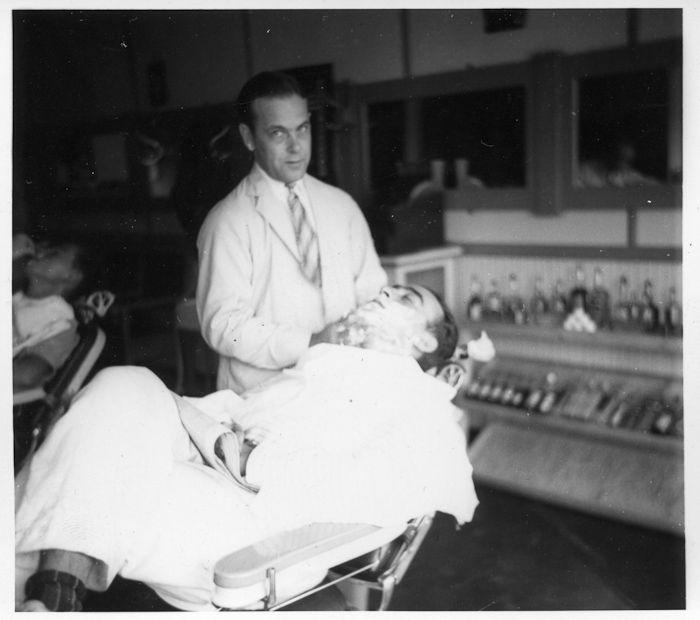 The barber's Trade union Summary