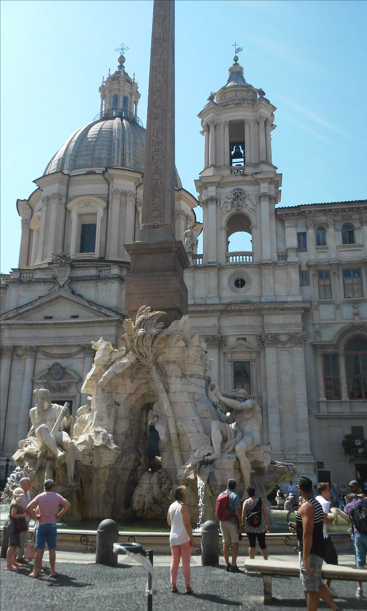 A different view across the piazza Navona in Rome.