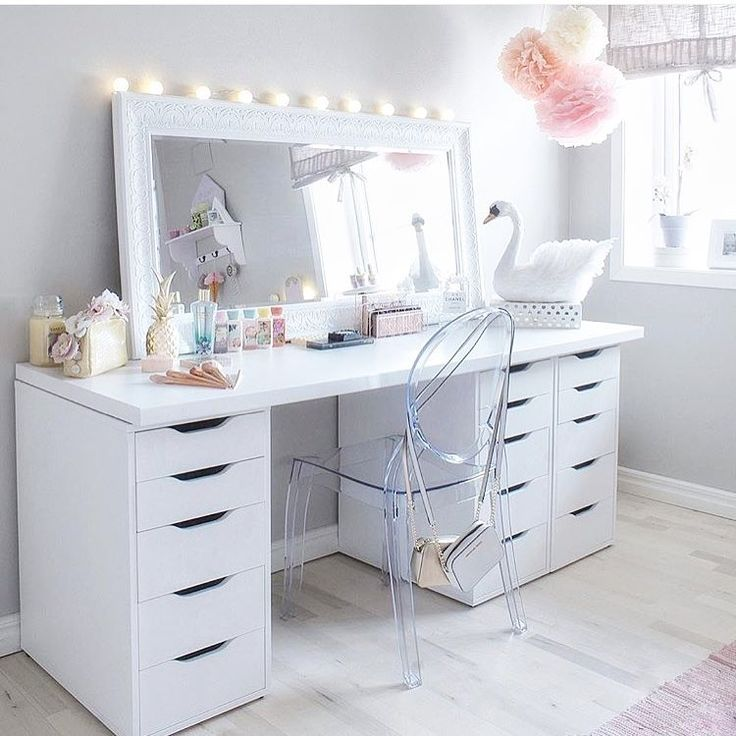 In love with this girly space 😍😍😍👸🏼 #furniture #furnituredesign #furnitureporn #furnitureshopping #interior #instagood #instacool #picoftheday #interiordesign #design #interiordesigner #shabbychicfurniture #interiors #shabbystore #follow #shabbychic #love #shabbychicstyle #shabbychicdecor #decor #renovate #renovation #house #homestyle #home #homeinspo #homeinspiration #accessories #luxury #luxurylifestlye @elinmekraft www.shabbystore.co.uk