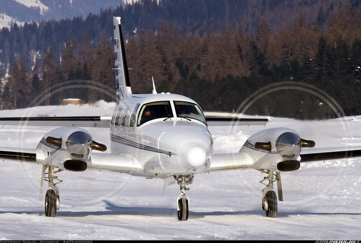 Piper PA-31T-620 Cheyenne IIPiper PA-31T-620 Cheyenne II  aircraft picture