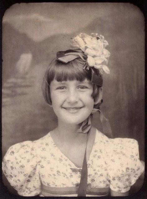 ** Vintage Photo Booth Picture **   Adorable picture of a girl and her Easter bonnet.: