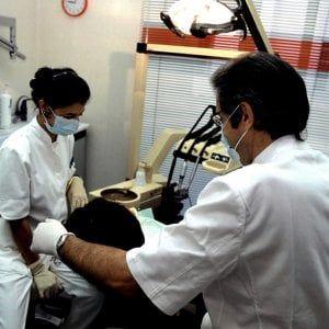 Offerte di lavoro Palermo  Erano un medico generico e un odontotecnico  #annuncio #pagato #jobs #Italia #Sicilia Capo d'Orlando: la Finanza scopre due falsi dentisti
