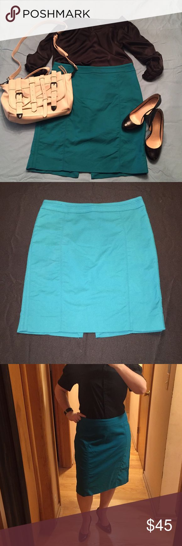 WHBM teal pencil skirt Knee length - perfect for work or a dressy occasion. Pop of color - the teal is a great accent color to bring together your outfit. Double seams - this skirt features double seams making it look edgier. Lined skirt - no more worry about your slip showing! Great condition, no pulled seams or tears. White House Black Market Skirts Pencil