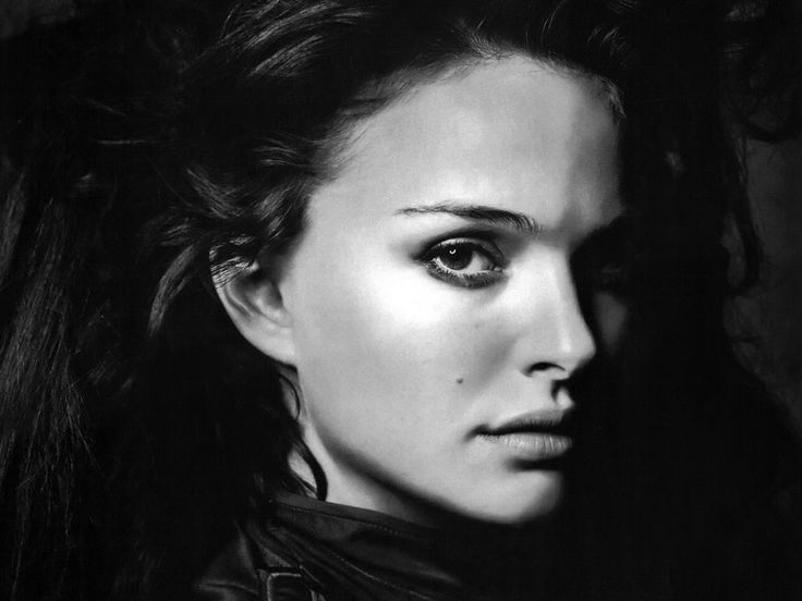 Dark - Natalie Portman   #natalieportman #blackwhite #classic
