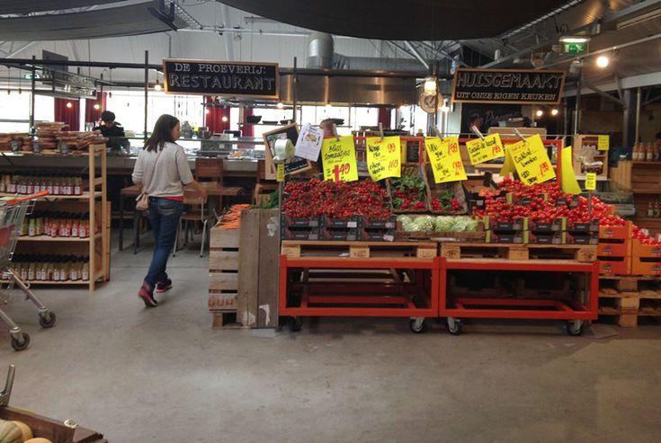 Aan de rand van Amsterdam vind je één van de leukste winkels van de stad: Landmarkt. Hier kun je terecht voor al je verse boodschappen van lokale telers en ambachtelijke producenten en maak je iedere keer weer kennis met fijne nieuwe producten.