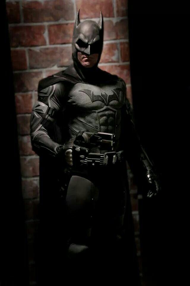 Character: Batman (Bruce Wayne) / From: DC Comics 'Batman' & 'Detective Comics' / Cosplayer: Kevin Porter