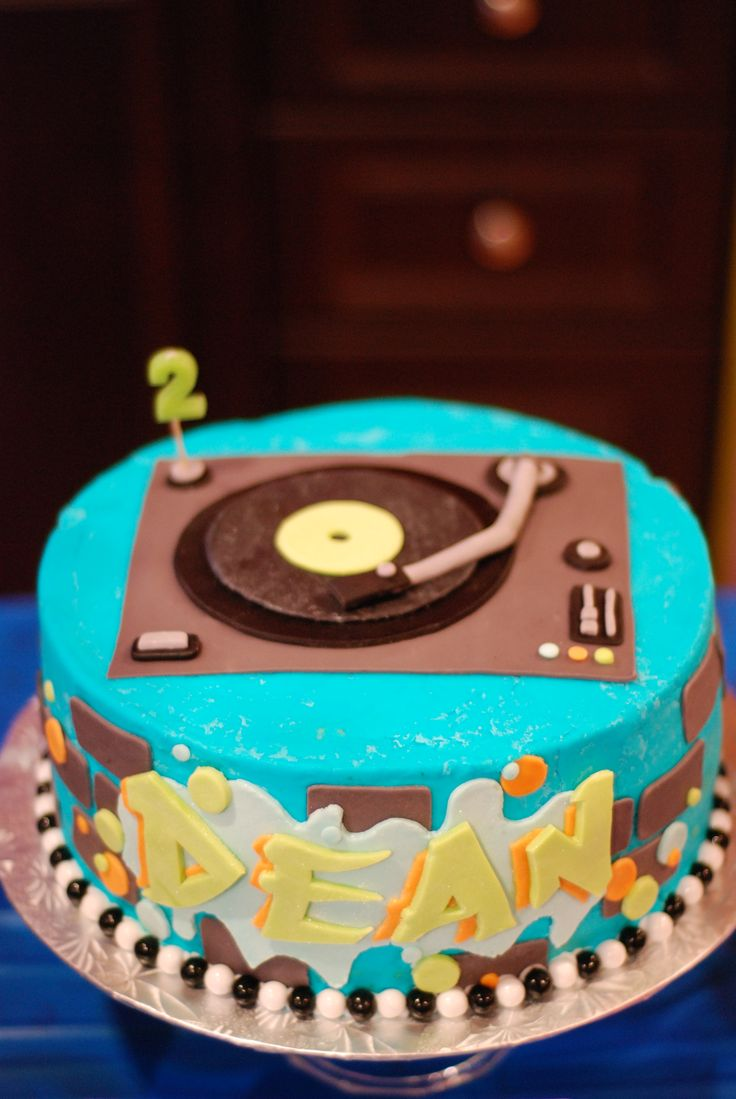 Cake for a Hip Hop Themed Birthday