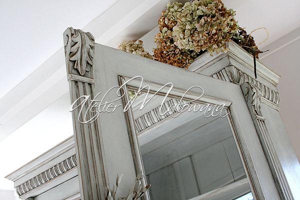 XIX-wieczny kredens eklektyczny - rzeźbiona nadstawka. © 2014 Atelier Malowana. All rights reserved. http://ateliermalowana.pl/