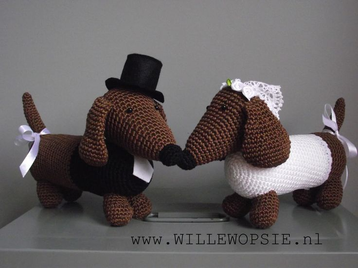 Amigurumi Wiener Dog Pattern : Best teckels images dachshund dog wiener dogs