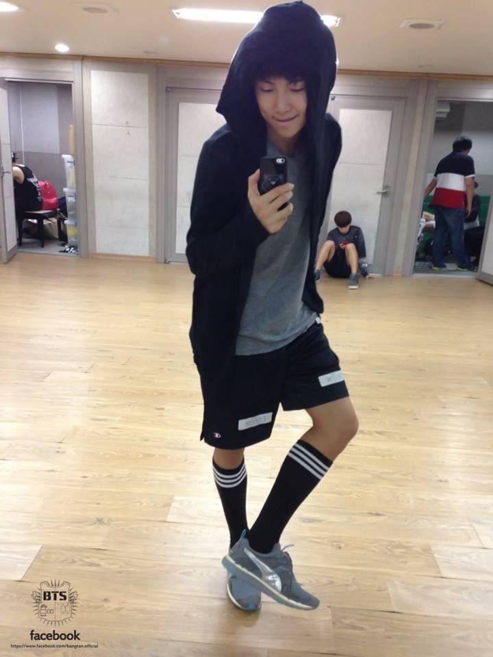 What Shoes Do Kpop Idols Wear For Dancing
