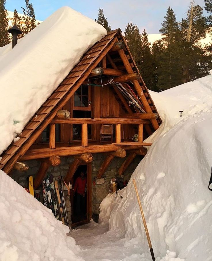 22 Beautiful Wood Cabins And Small House Designs For Diy: 17 Best Ideas About Alaska Cabin On Pinterest