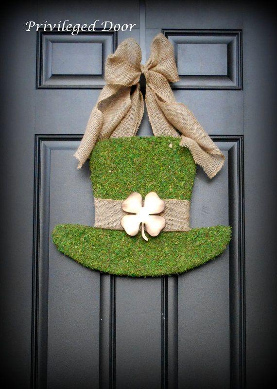 St. Patricks Day Wreath.  St. Pattys Wreath.  Irish Wreath.  Moss Covered Leprechaun Hat.  Irish Luxury for your door.