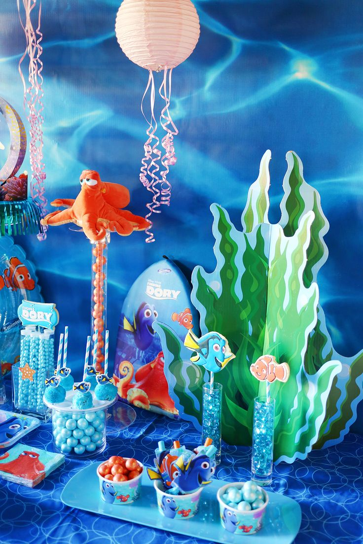 17 best images about finding dory party ideas on pinterest for Nemo decorations