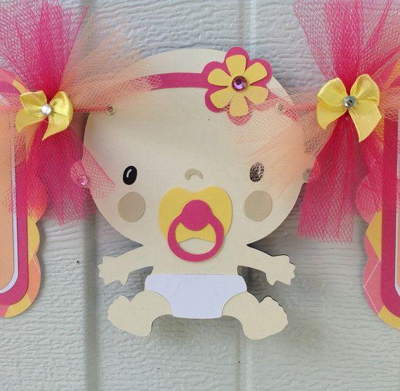 Het is een meisje baby shower banner, baby shower decoratie in roze, perzik en geel