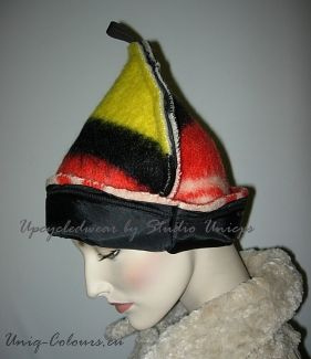 #Upcycledwear ; hat made from reused fabric at Studio-Unicps (Wollen-deken muts)
