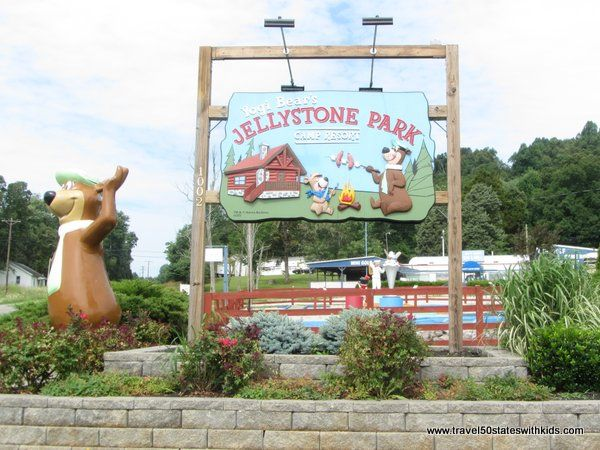 Jellystone Park at Mammoth Cave. Family-friendly cabins, plus lots of fun activities. THE place for families to stay while visiting Cave City. #familytravel #Kentucky #cave