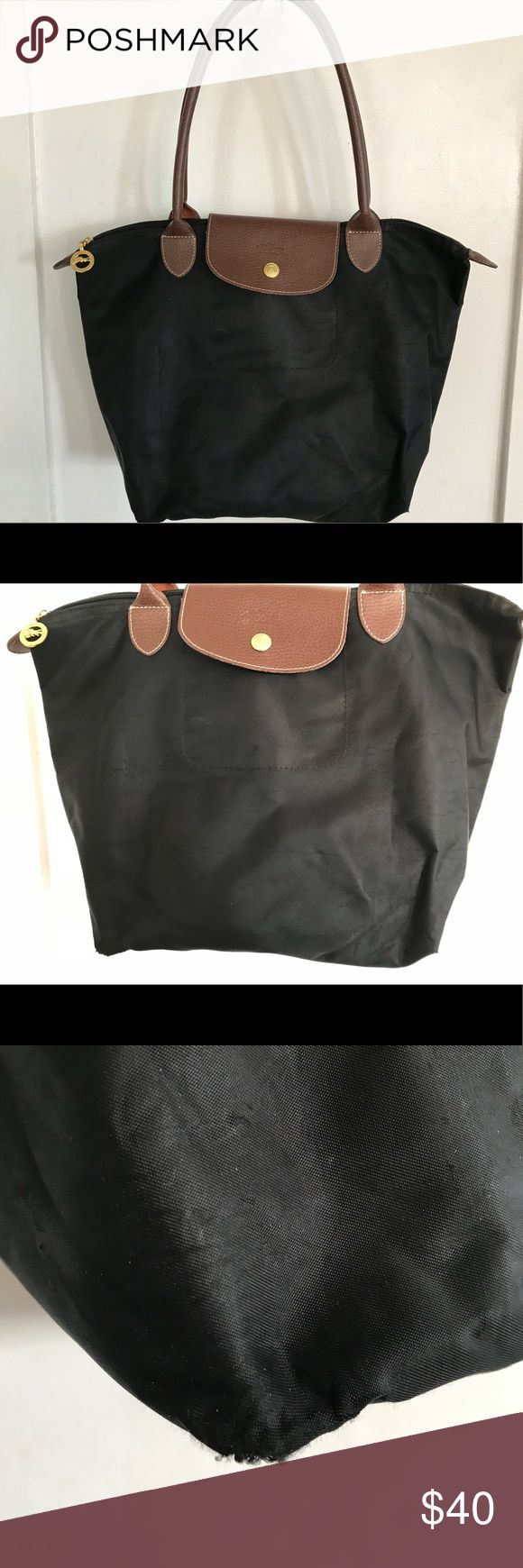 LongChamp Le Pliages Nylon Tote Bag Good condition but has flaws. The bottom corners have a small on echo of them. Some bubbling on the nylon. SOLD AS IS. Longchamp Bags Totes