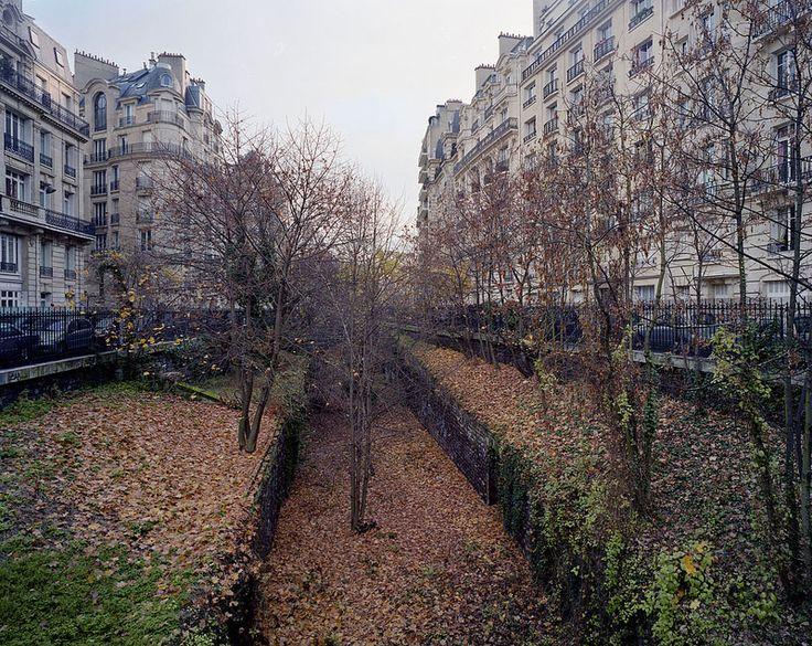 Pierre Folk Documents Decline of Abandoned Railroad in Paris (10 photos)
