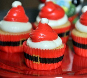 Mini Santa Hat Cupcakes, for all your holiday baking occasions!