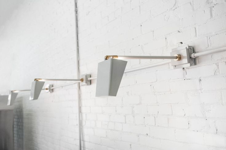 For this Deconstruction, we take a look at Charleston, SC's Urban Electric Co. and their Houe light fixture, designed by Creative Director, Michael Amato.