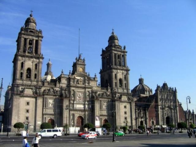 Discover Mexico City's historical center on foot: The Metropolitan Cathedral (Catedral Metropolitana)