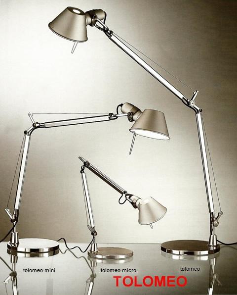 La lámpara Tolomeo es un clásico con más de veinte años de edad por el que no pasa el tiempo.   Diseñada por Michelle de Lucchi y Giancarlo Fassina y producida por la firma Artemide