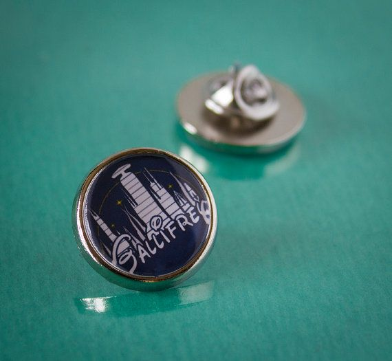 Cool Dr Who Gallifrey Tie/Lapel Pin Badge by UnofficiallyOriginal