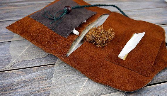 Wildleder Drehertasche -Tabakbeutel aus Echtlederresten-Dreherbeutel/Tabaktasche Leder-Grünes Band mit Holzperle