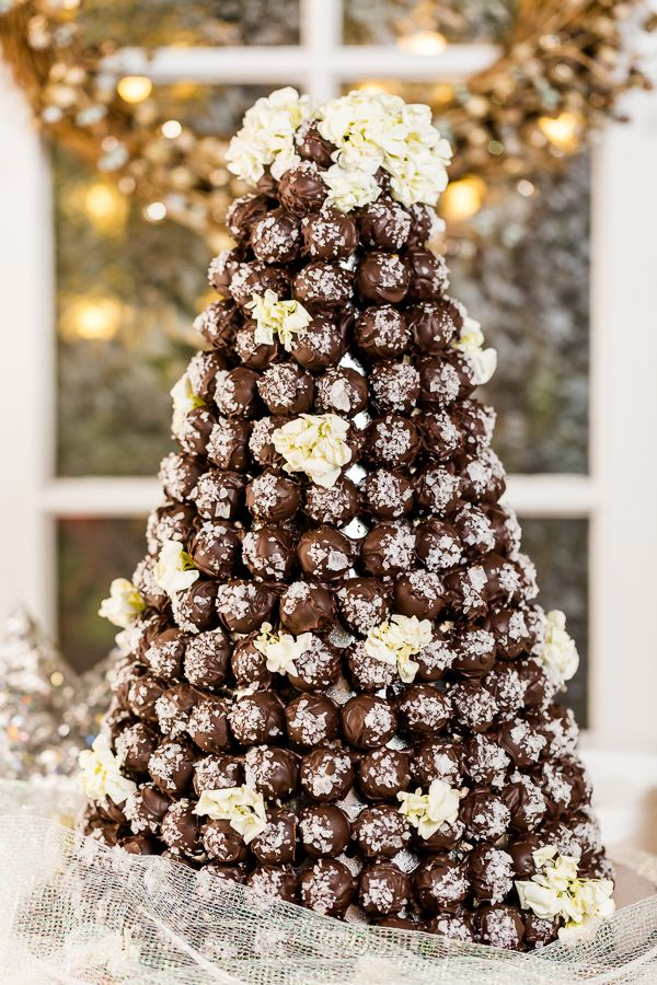 dark chocolate truffle wedding cake 481 best images about outrageous wedding cakes on 13336