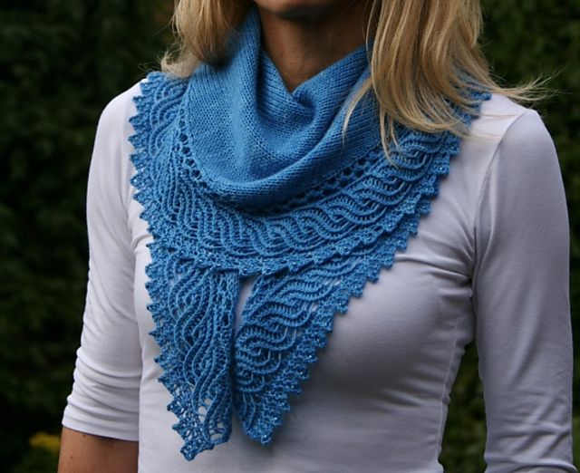 "Ravelry: ""Ho'okipa"" shawl by Paulina Popiolek"