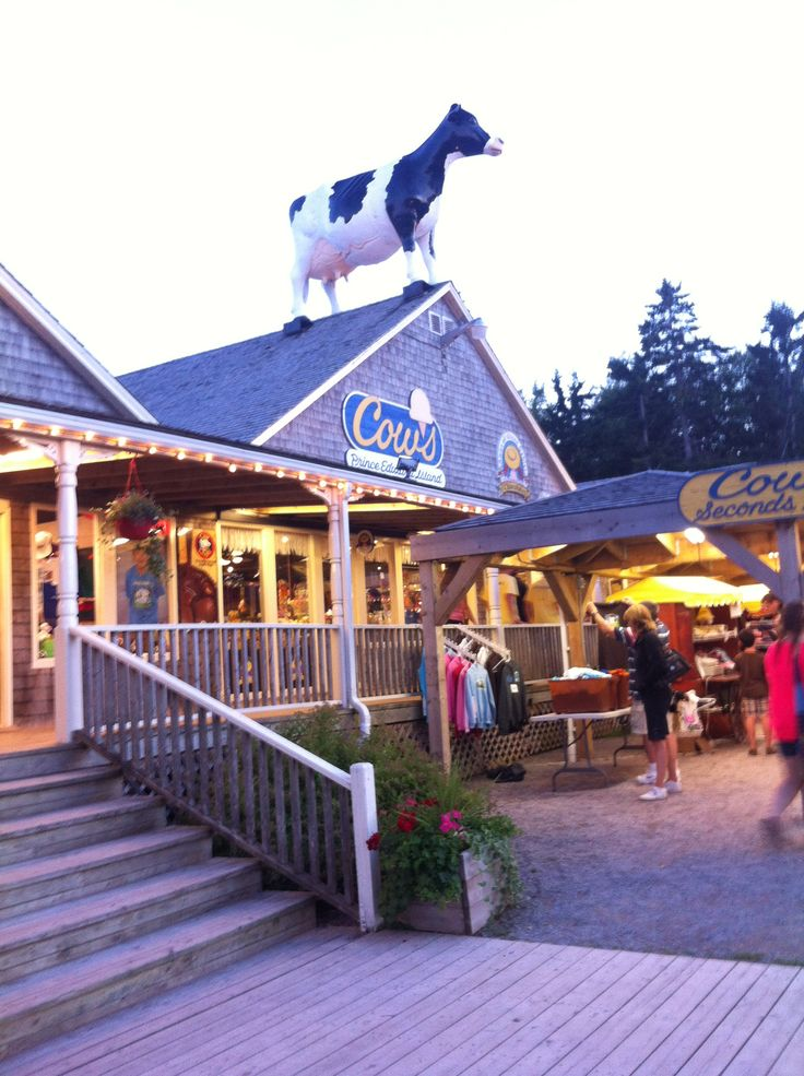 Cavendish Boardwalk - Cows ice cream, Pizza Delight, Anne Chocolates, shopping and more!!!