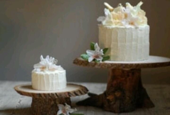 tree stump cake stands rustic apple orchard wedding. Black Bedroom Furniture Sets. Home Design Ideas