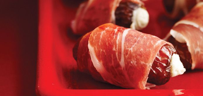 Dates Stuffed with Blue Cheese Recipes | Ricardo