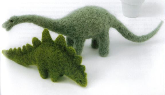 Google Image Result for http://www.purplelindacrafts.co.uk/ekmps/shops/purplelinda/images/felt_dinos.jpg