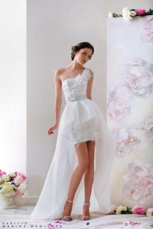 robe de mariée courte devant et longue derrière 13