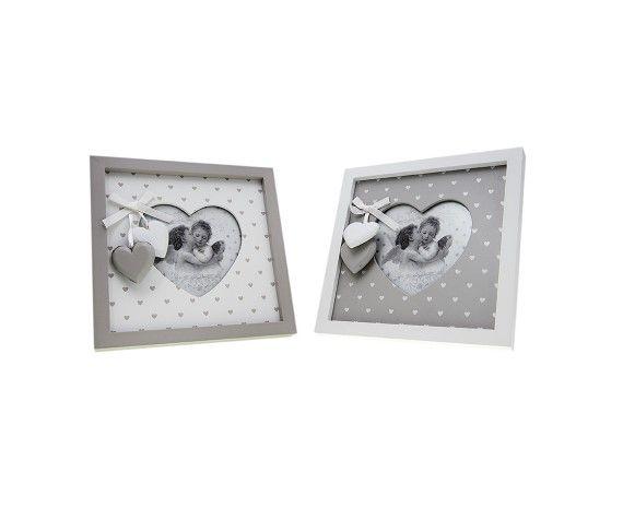10,13 € - Portafoto quadrato in legno con 2 cuoricini, stile Shabby Chic, simpatica idea per bomboniera matrimonio, dimensioni cm. 17x17.