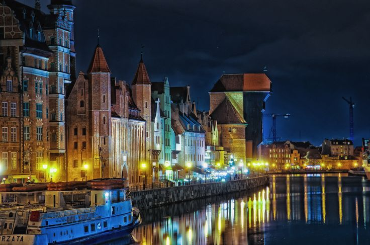 https://flic.kr/p/qZqoBU | Poland | for all my flickr friends, good night typical shot from Gdańsk/Poland  better in black