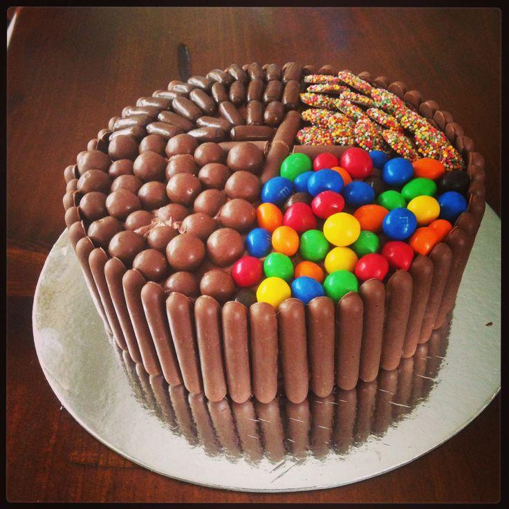 Betty crocker best chocolate cake with fudge frosting