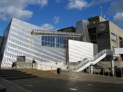 The Boston Harborwalk: Art and Sculpture: Downtown/North End: Central Wharf / New England Aquarium