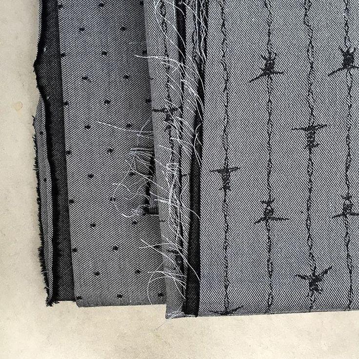 Zilver grijze chambray met stipjes of stoer motief met prikkeldraad. Deze chambray is bruikbaar aan zowel voor- als achterzijde. Kies zelf welke kant je gebruikt, combineer en speel met beide kanten voor leuke accenten in kledij en interieur accessoires. #chambray #lestrouvaillesdamandine #organicfabric #madeinfrance