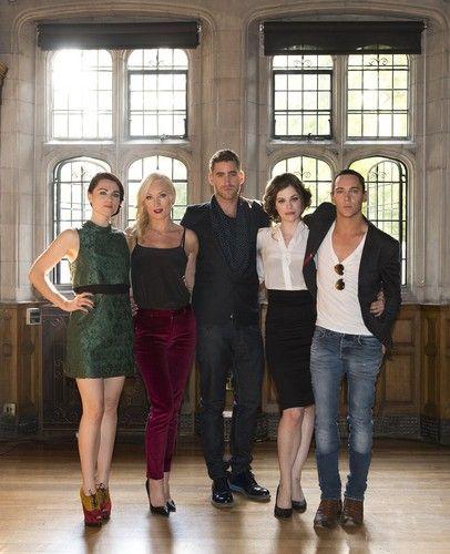 The Cast HQ - dracula-nbc Photo