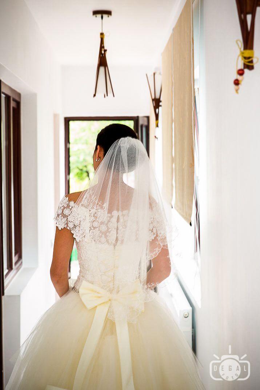 Stim ca in ziua nuntii vei radia prin toti porii si in plus mai stim cum sa captam aceasta lumina, asa ca poti apela la noi cu incredere: http://www.degalfoto.ro #degalfoto, #fotografnunta, #nuntasieveniment