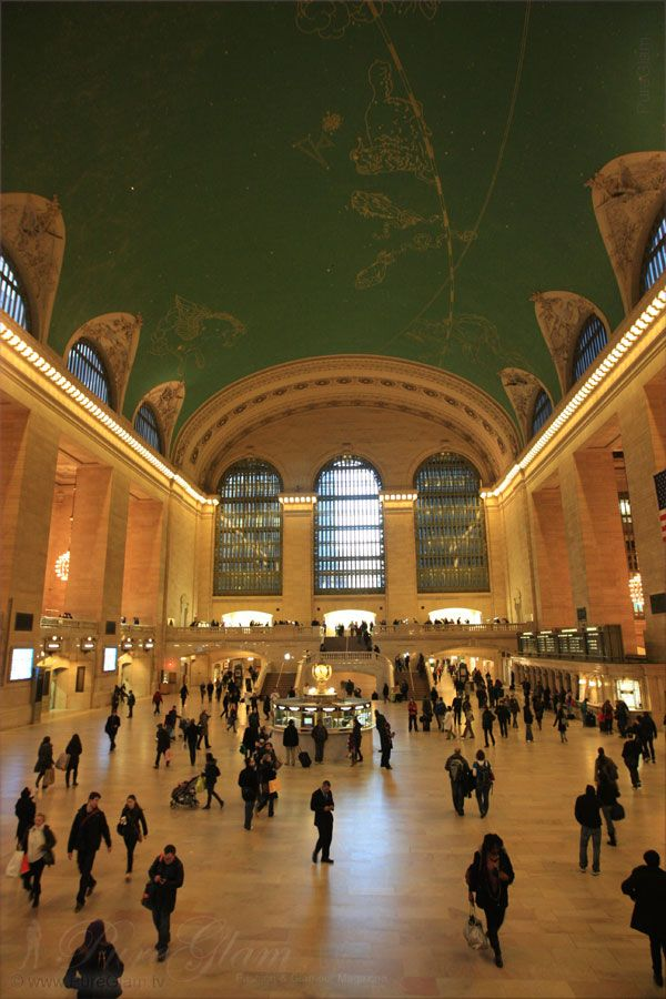 New York City – inside beautiful Grand Central Station, NYC, Manhattan - hall