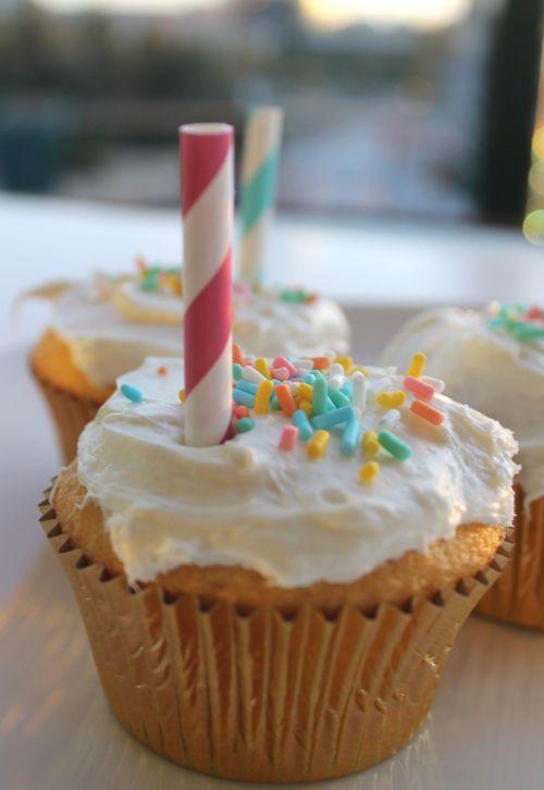 Sprinkled Gluten-Free Cupcakes (who knew Betty Crocker made gluten free mix??)