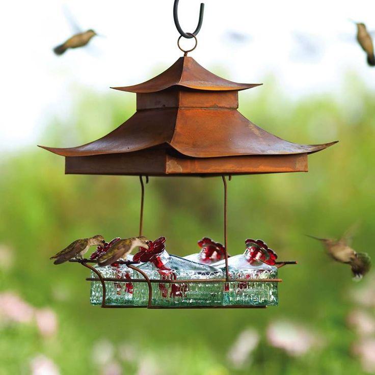 What a beautiful hummingbird feeders! Hummingbird