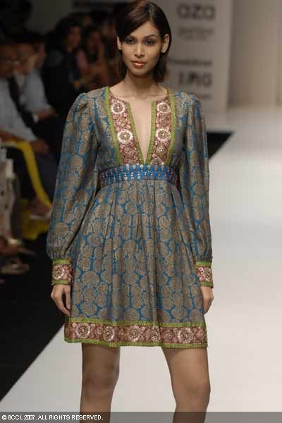 Google Image Result for http://photogallery.indiatimes.com/fashion/indian-shows/ifw-mumbai-07-shyamal-and-bhumika/Shyamal-and-Bhumika/photo/2458420/Shyamal-and-Bhumika.jpg