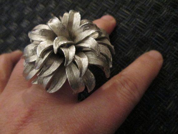 Silver Organic Shaped Ring // Vintage// Adjustable //