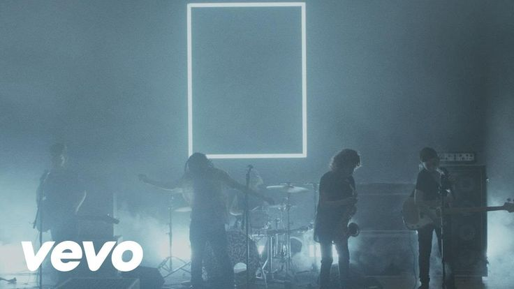 The 1975 - Heart Outi understand the oldies - i too would have an hart attack if they appeared to me like that.