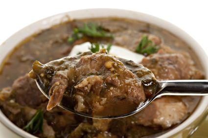Dans le traditionnel ragoût de patte, tous les moyens sont bons pour limiter les matières grasses : choix de viandes maigres, dégraissage du bouillon, cuisson sans gras ajouté...