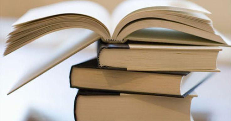 Ejemplos de trabajos de tesis. El trabajo de tesis es el formato estándar de trabajo para escribir en las humanidades. Los temas para tesis varían de acuerdo a las directrices del instructor, pero hay ciertos elementos que están presentes en todos los formatos. Hay diversos elementos en un documento de tesis y tienen diferentes funciones.
